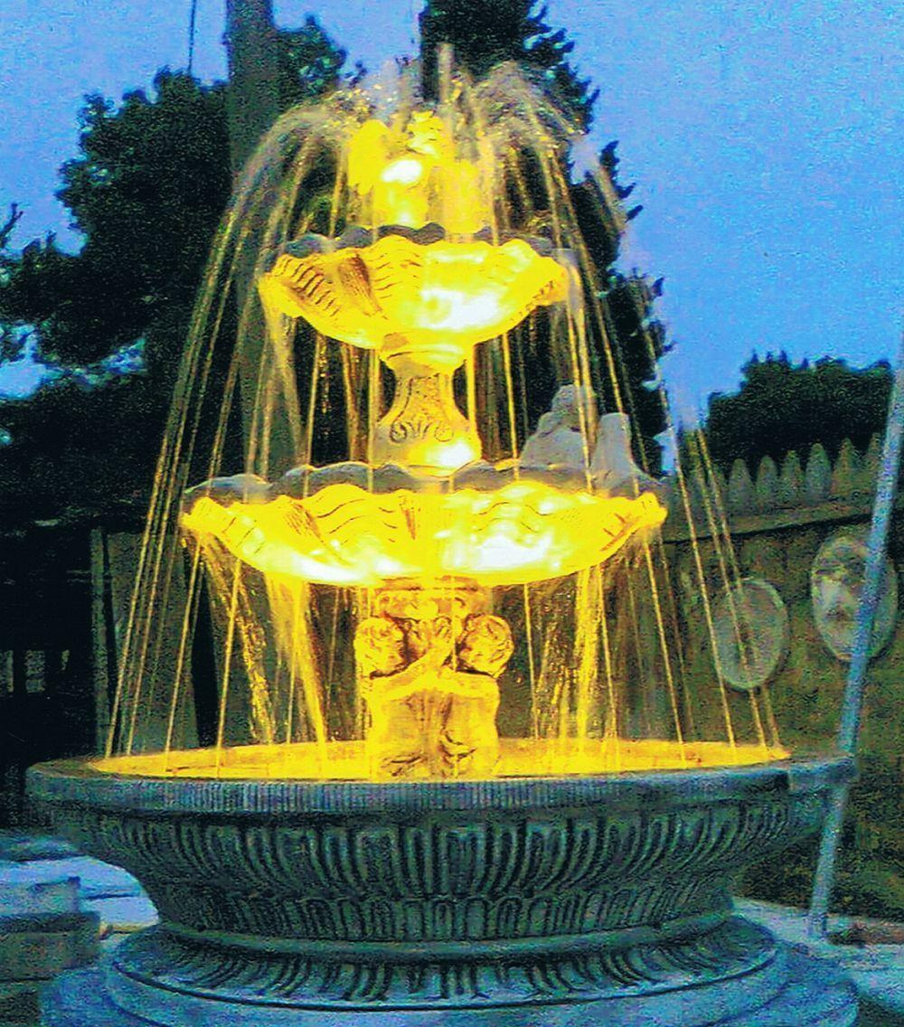 Springbrunnen/Etagenbrunnen Posidonia