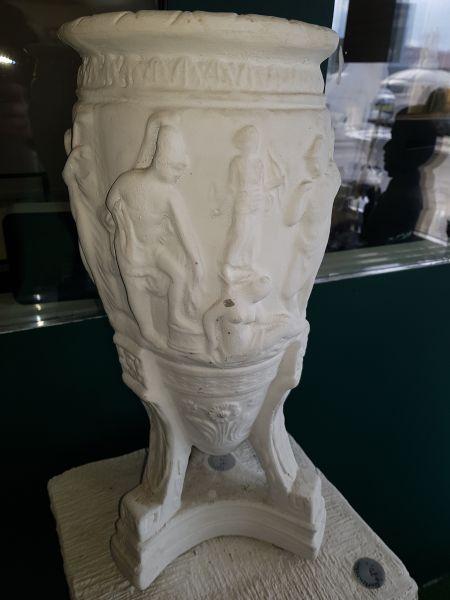Pflanzgefäß Vase mit antiker Deko
