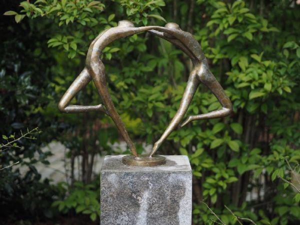 Bronzefigur Abstraktes Tanzpaar