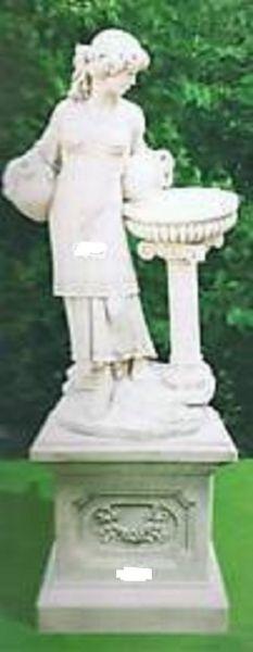 Gartenfigur Frau am Becken