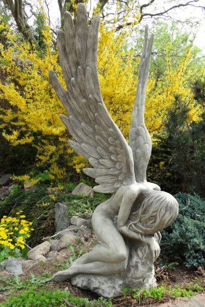 Gartenfigur Engel SERAFINA, Steinguss