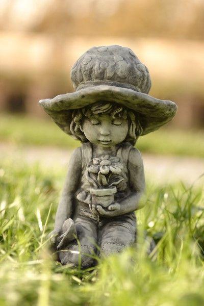 "Gartenfigur Sarah Kay ""LILLI"", Steinguss"
