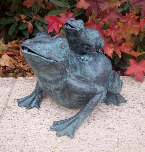 Bronzefigur Frosch mit Baby