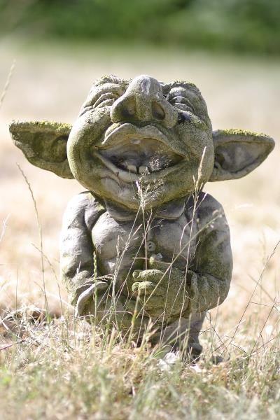 "Gartenfigur Troll lachend ""AIKO"", Steinguss"