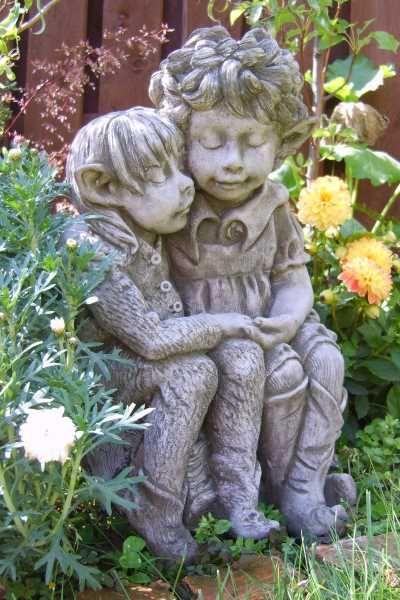 "Gartenfigur Elfenpaar ""DANDELION und BURDOCK"" © by Fiona Scott"