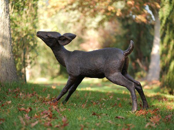 Bronzefigur Reh