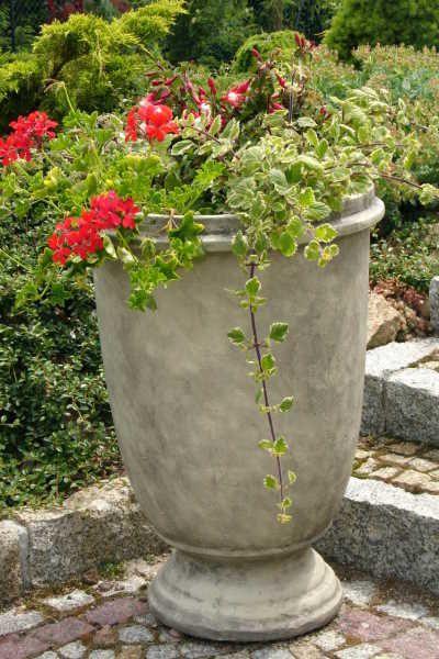 """Garten- und Pflanzgefäß """"TUMBA"""", Steinguss"""