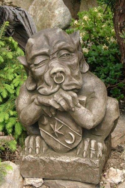 """Gartenfigur """"SHIELD GARGOYLE"""" klein ©by Fiona Scott, Steinguss"""