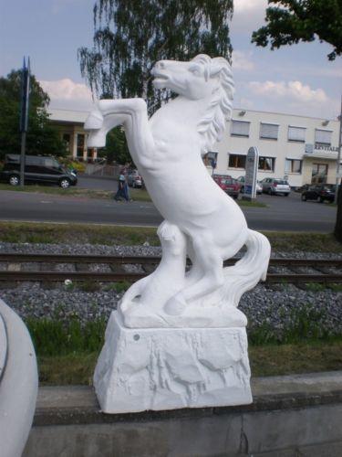 Gartenfigur Steigendes Pferd (ohne Sockel)