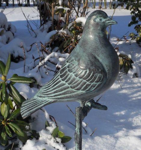 Bronzefigur Taube auf Stock