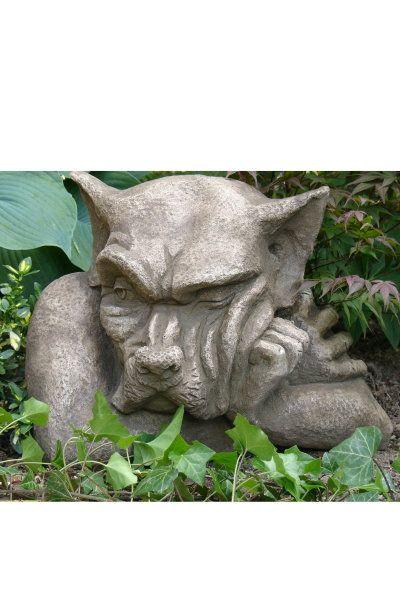 "Gartenfigur ""FENSTERHOCKER GARGOYLE"" wachsam © by Fiona Scott"