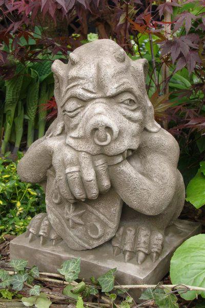 """Gartenfigur """"SHIELD GARGOYLE"""" groß © by Fiona Scott, Steinguss"""