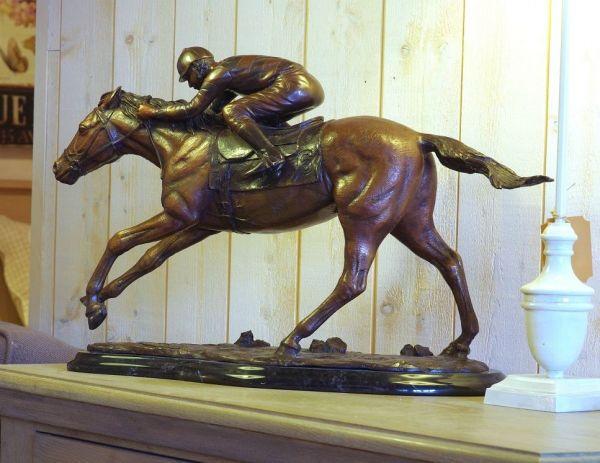 Bronzefigur Rennpferd mit Reiter klein