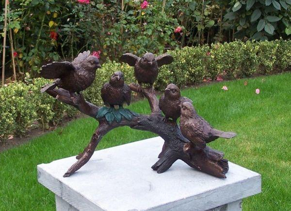 Bronzefigur Fünf Vögel auf Zweig