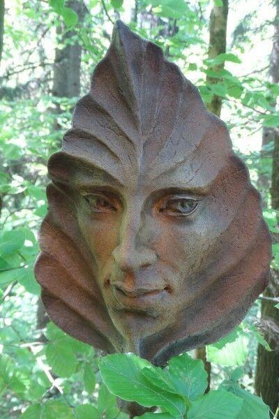 "Gartenfigur Blatt ""BUCHE"", Steinguss, Rosteffekt"
