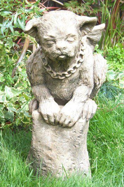 "Gartenfigur #""WARDE"", pelziger Gargoyle, © by Fiona Scott"