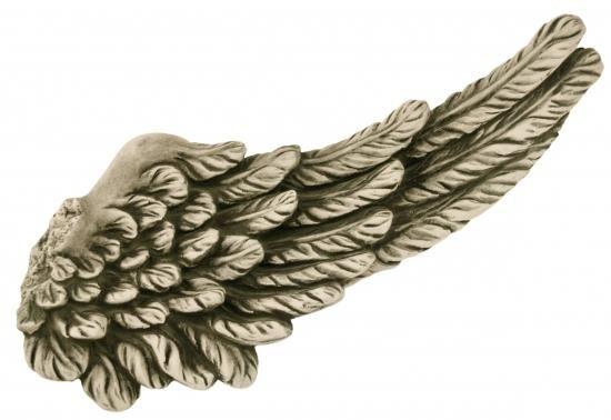 Gartenfigur Flügel S aus Steinguss, kleinere Version