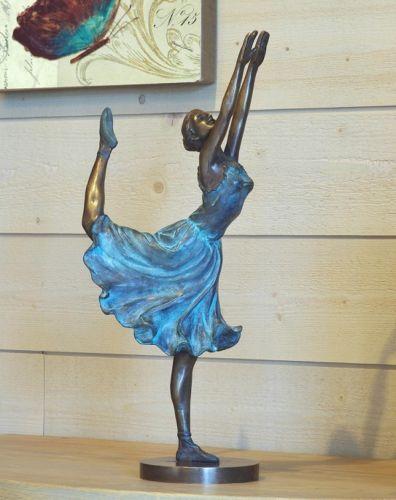 Bronzefigur Tänzerin