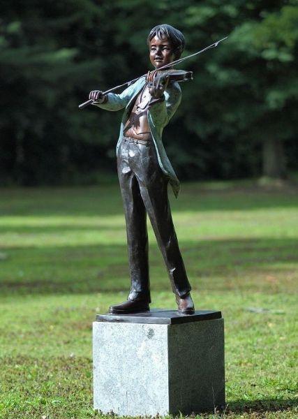 Bronzefigur Geiger