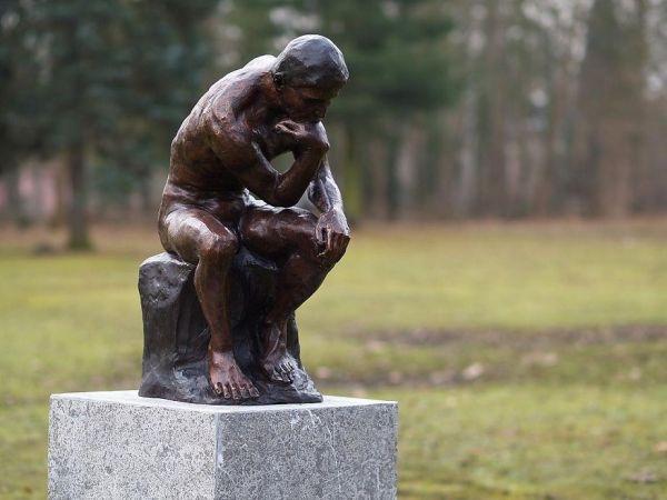 Bronzefigur Denker von Rodin