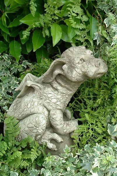 """Gartenfigur """"PUDDLES"""", Drache, © by Fiona Scott"""