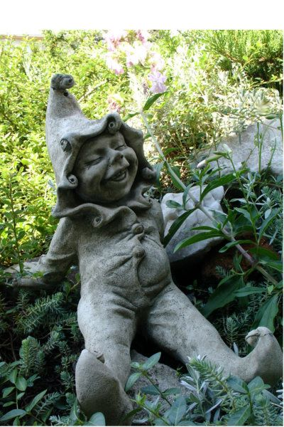 "Gartenfigur ""JIMMY"" © by Fiona Scott, Steinguss"