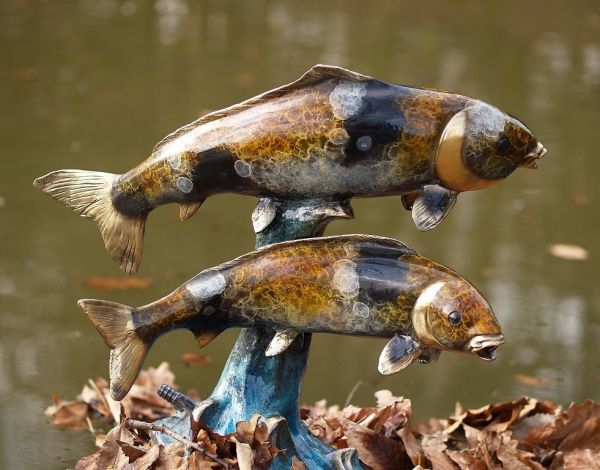 Bronzefigur Zwei Fische