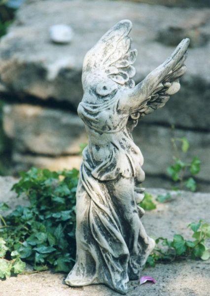 """Gartenfigur #""""NIKE"""", Steinguss"""