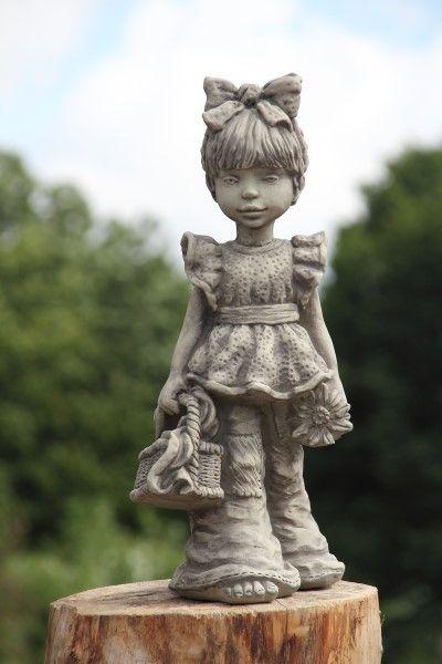 "Gartenfigur Sarah Kay ""LUCIE"", Körbchen, Steinguss"