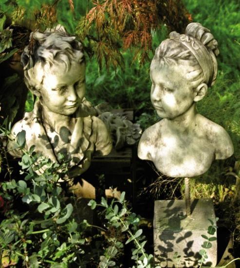 """Gartenfigur Büste Junge, """"TAREK"""", Steinguss"""