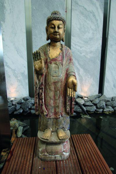Naturstein Buddha stehend