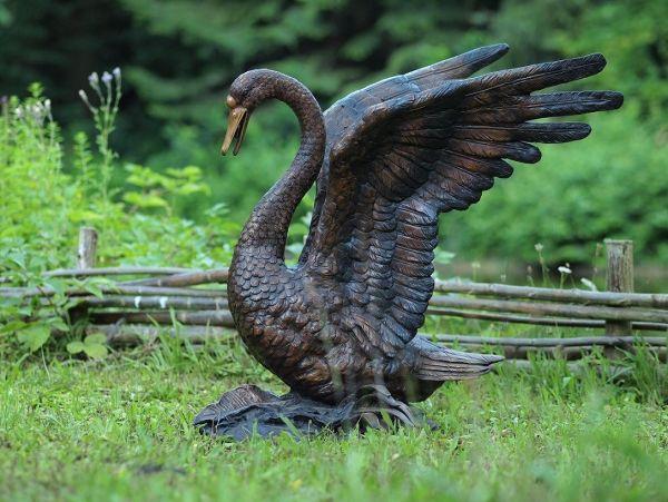 Bronzefigur Schwan