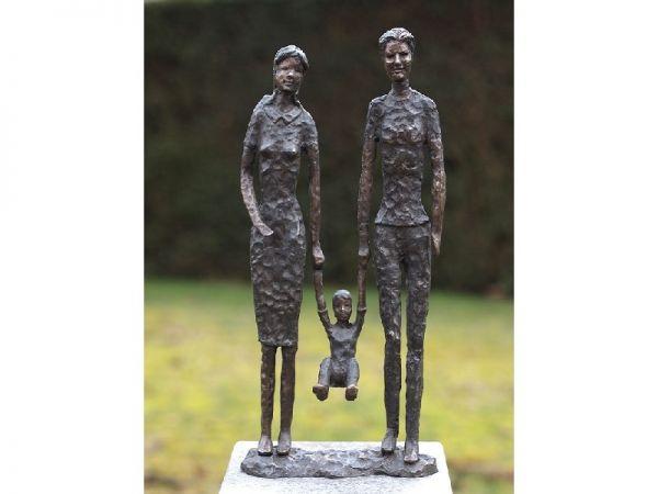 Bronzefigur Moderne Familie