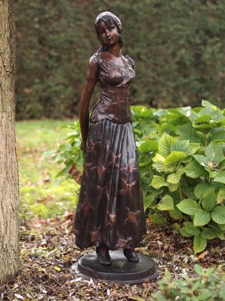 Bronzefigur Mädchen mit Tagebuch