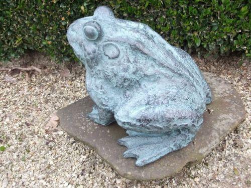 Bronzefigur Frosch / Kröte