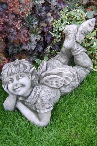 """Gartenfigur #""""FREYA"""", Elfe auf Bauch liegend, © by Fiona Scott"""