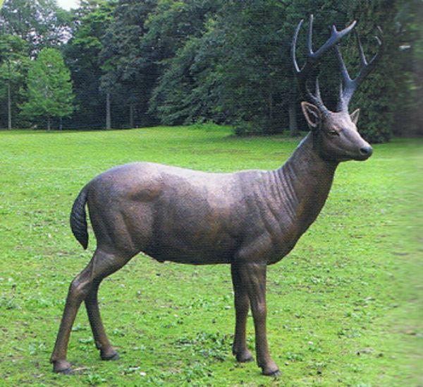 Bronzefigur Hirsch stehend